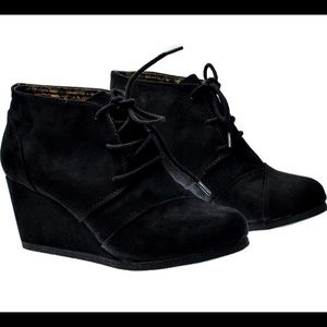 Soda Rex Laceup Oxford Wedge Booties